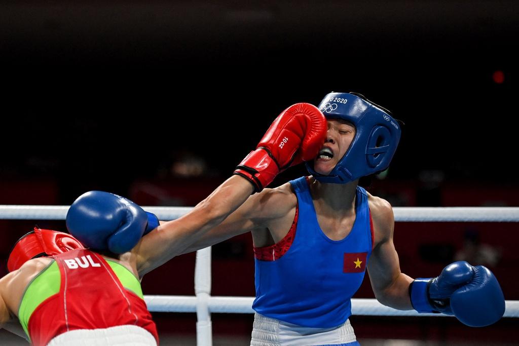Đại diện boxing nữ Việt Nam dừng bước trước nhà cựu vô địch châu Âu