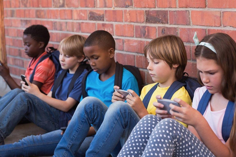 Áp dụng ngay những biện pháp giúp trẻ không nghiện thiết bị thông minh