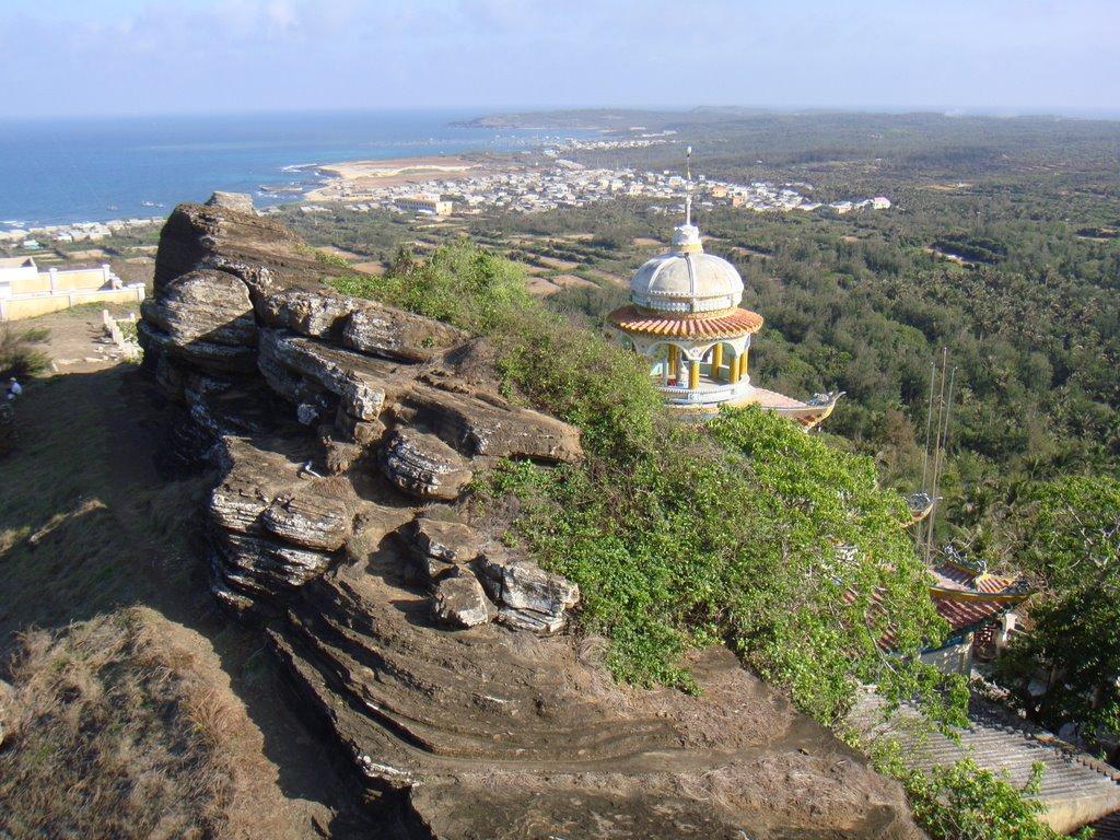 Đỉnh Cao Cát – Địa điểm du lịch đậm chất thiên nhiên