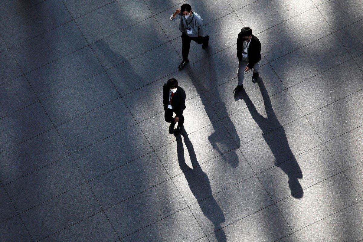 Nam giới Nhật áp lực vì công việc ổn định