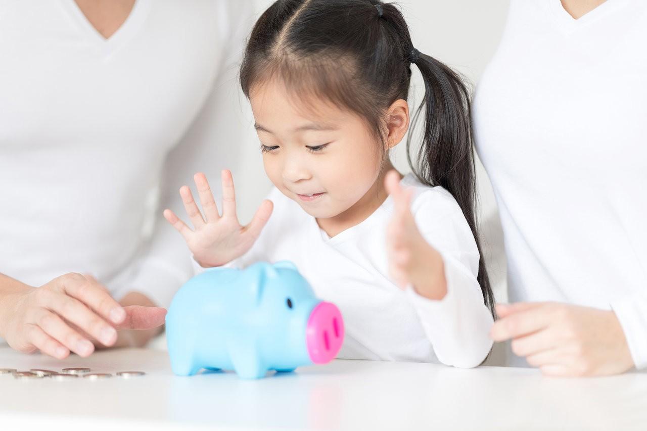 Không tạo cơ hội cho con cái hiểu về giá trị của tiền bạc