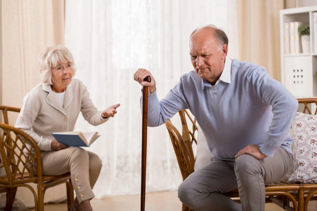 Những thông tin bạn cần biết về bệnh thoái hóa khớp ở người già