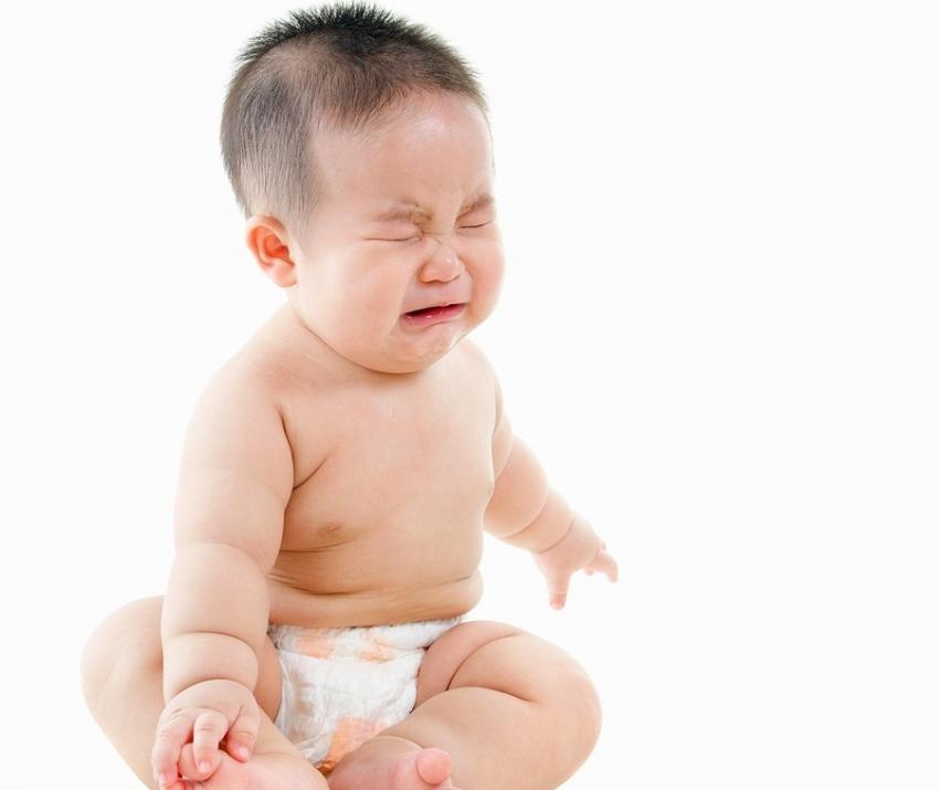 Trẻ bị táo bón các mẹ yên tâm đã có những giải pháp hữu ích sau