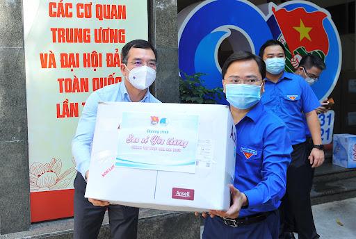 Thanh niên Quảng Bình làm 10.000 suất cháo canh hỗ trợ khu cách ly TP.HCM