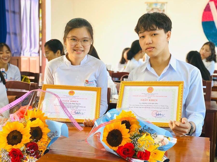 Học trò nghèo quê Quảng Nam thi 10 điểm Ngữ văn trong kì thi tốt nghiệp THPT
